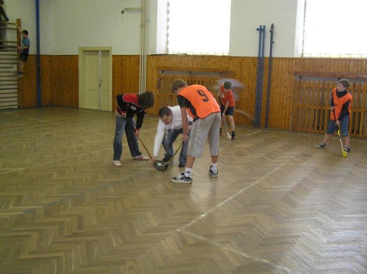 Prohlížíte si obrázky k článku: Florbalový turnaj - leden 2008