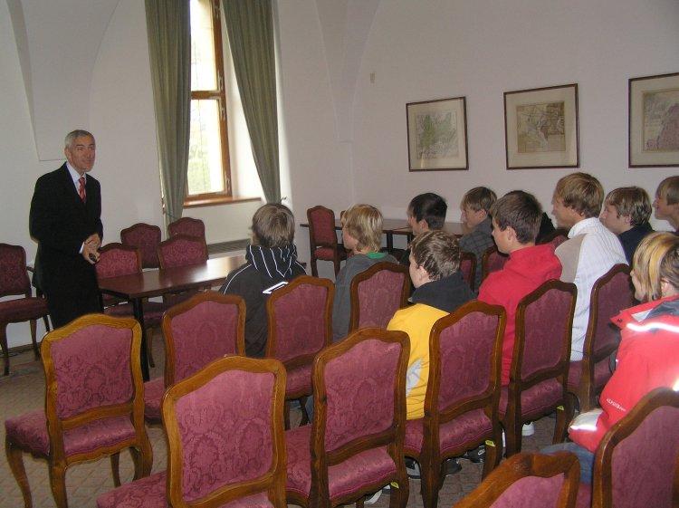 Prohlížíte si obrázky k článku: Návštěva Senátu ČR