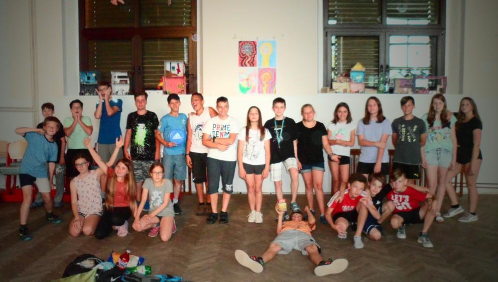 Prohlížíte si obrázky k článku: Noční škola 6.A