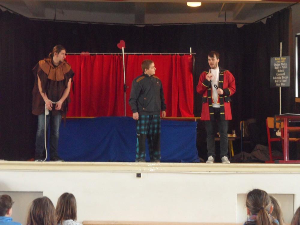 Prohlížíte si obrázky k článku: Divadélko pro školy