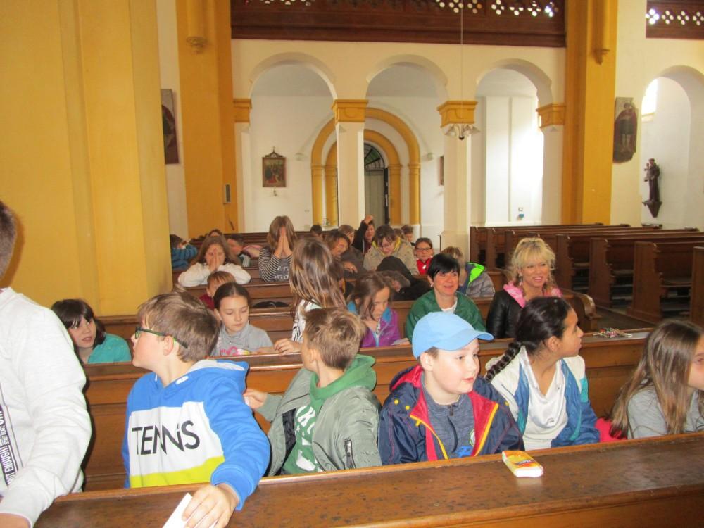 Prohlížíte si obrázky k článku: Velikonoce v kostele